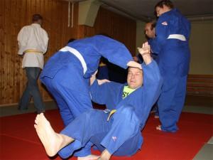 Judo_fallen am Partner